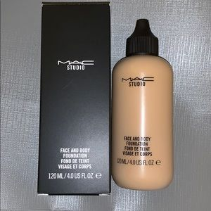 Mac cosmetics face and body foundation in C2